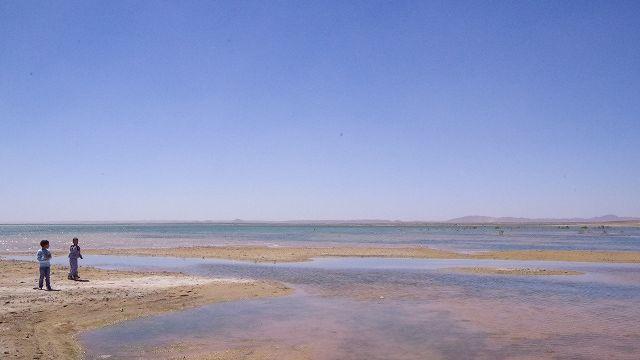 メルズーガ湖 砂漠地帯にある